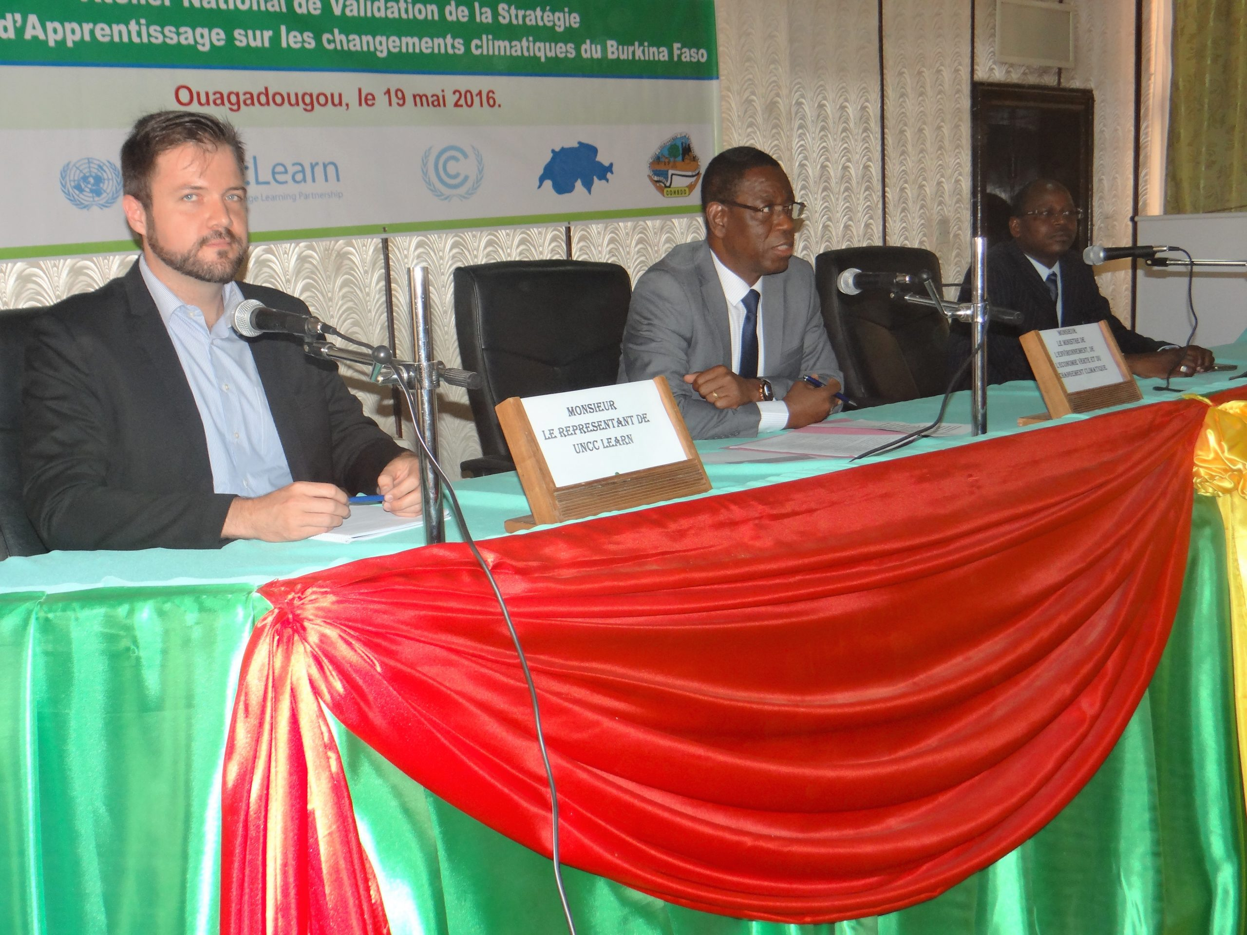 From left to right, Mr. Vincens Côté, Secretariat UN CC:Learn, Minister Nestor Bassiere, and Mr. Pamoussa Ouedraogo, Technical Coordinator of Programs SP/CNDD
