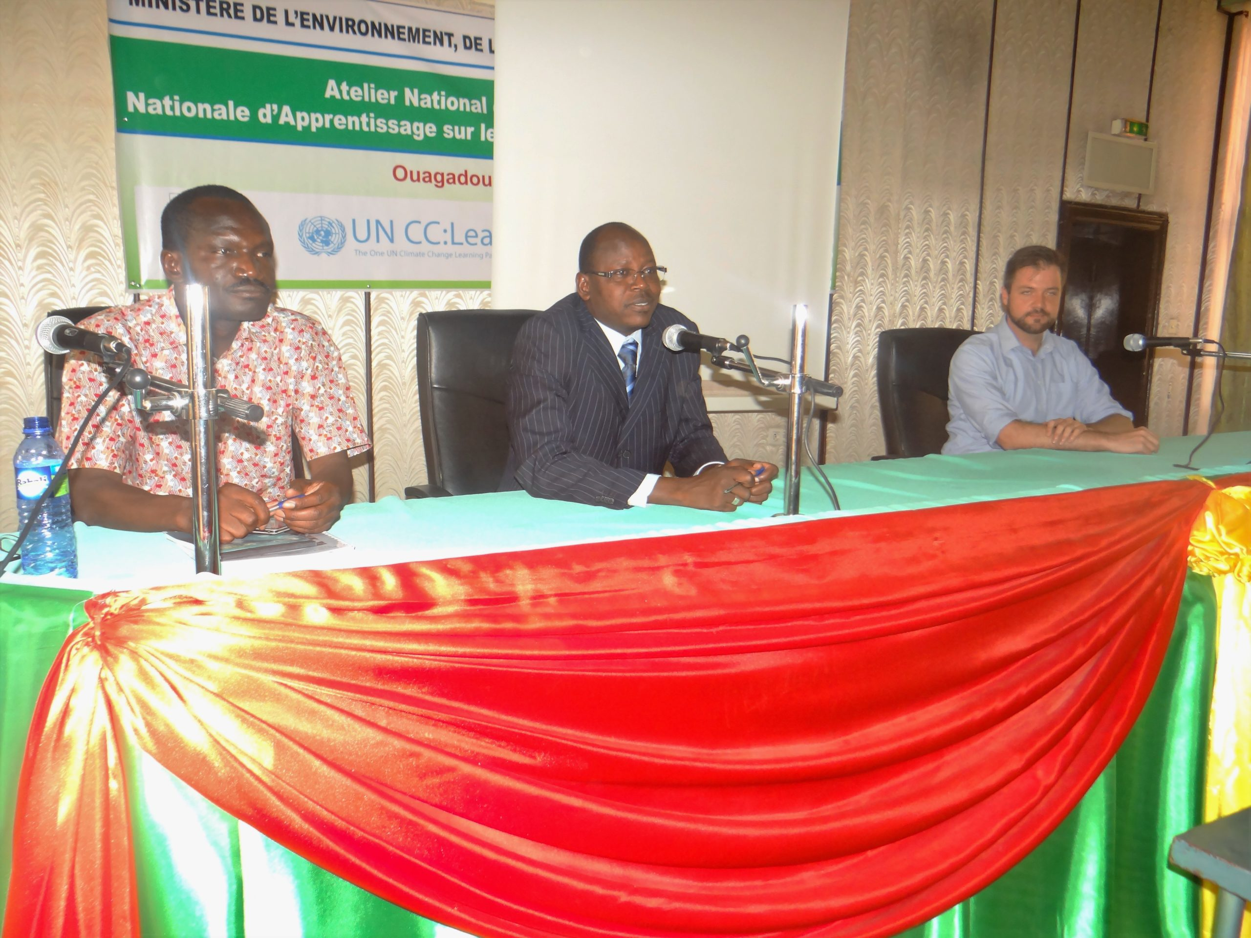 From left to right, Mr. Augustin Kabore, moderator of the workshop, Mr. Pamoussa Ouedraogo, Technical Coordinator of the SP/CNDD programs and Mr. Vincens Côté, representative of serétariat UN CC:Learn