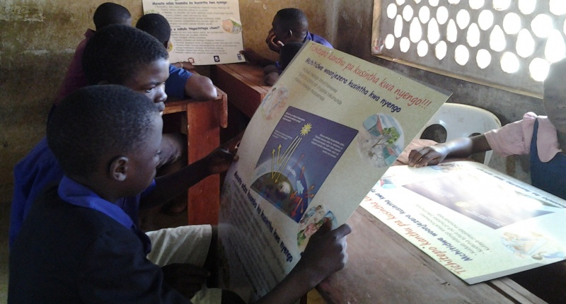 Pilot-testing of an educational poster on climate change in Malawi.